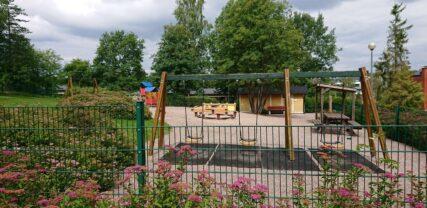 Leikkipuisto kesällä