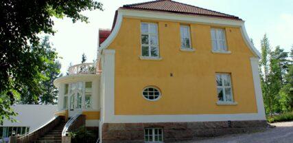 Villa Junghans vanha puoli ja portaat