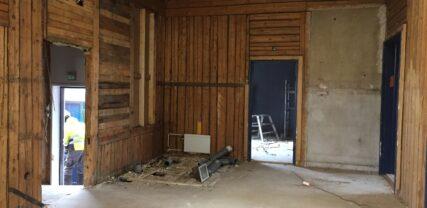 Rivning av konstruktioner i Ungdomsgårdens interiör
