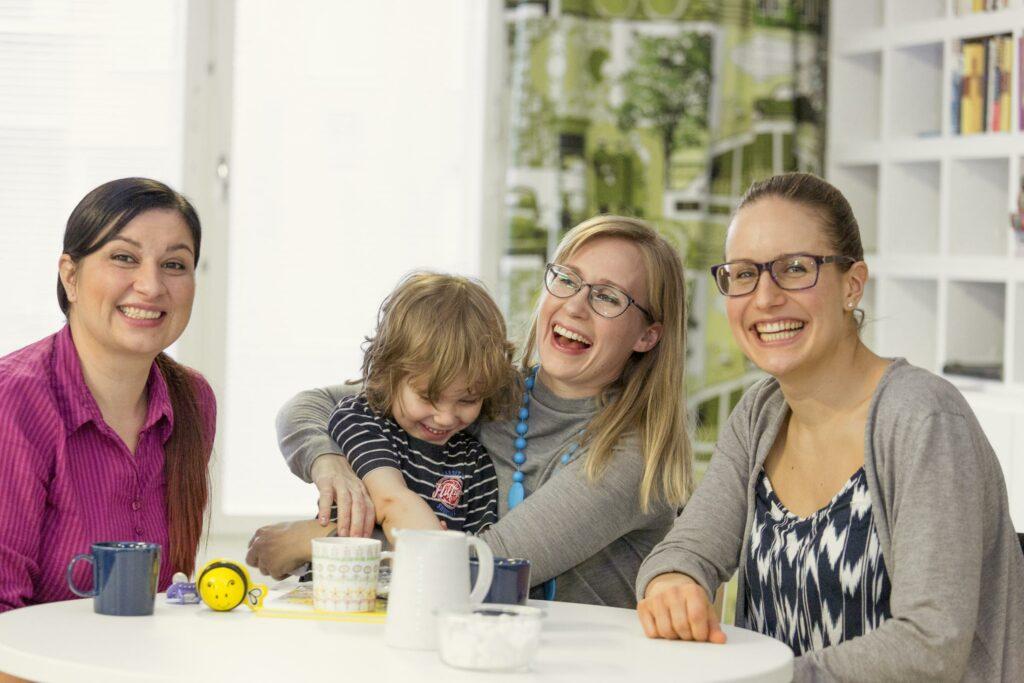 MLL perhe kahvilla